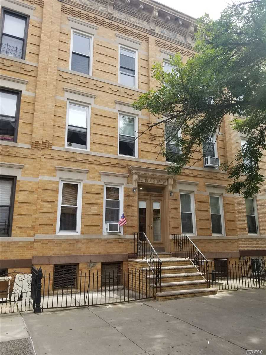 Residential For Sale in 70-33 65 Pl, Glendale, NY ,11385