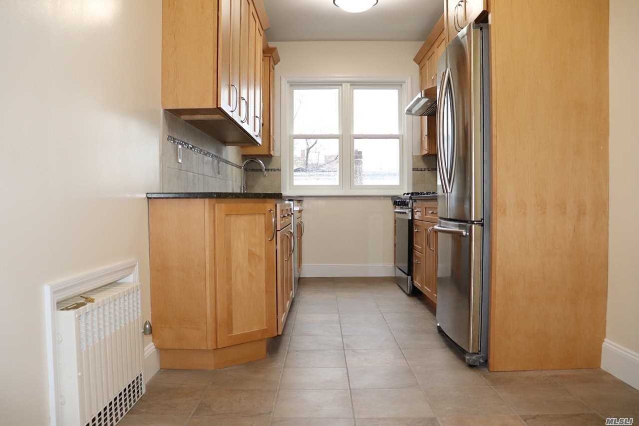 Residential For Rent in 28-43 41st St, Long Island City, NY ,11101