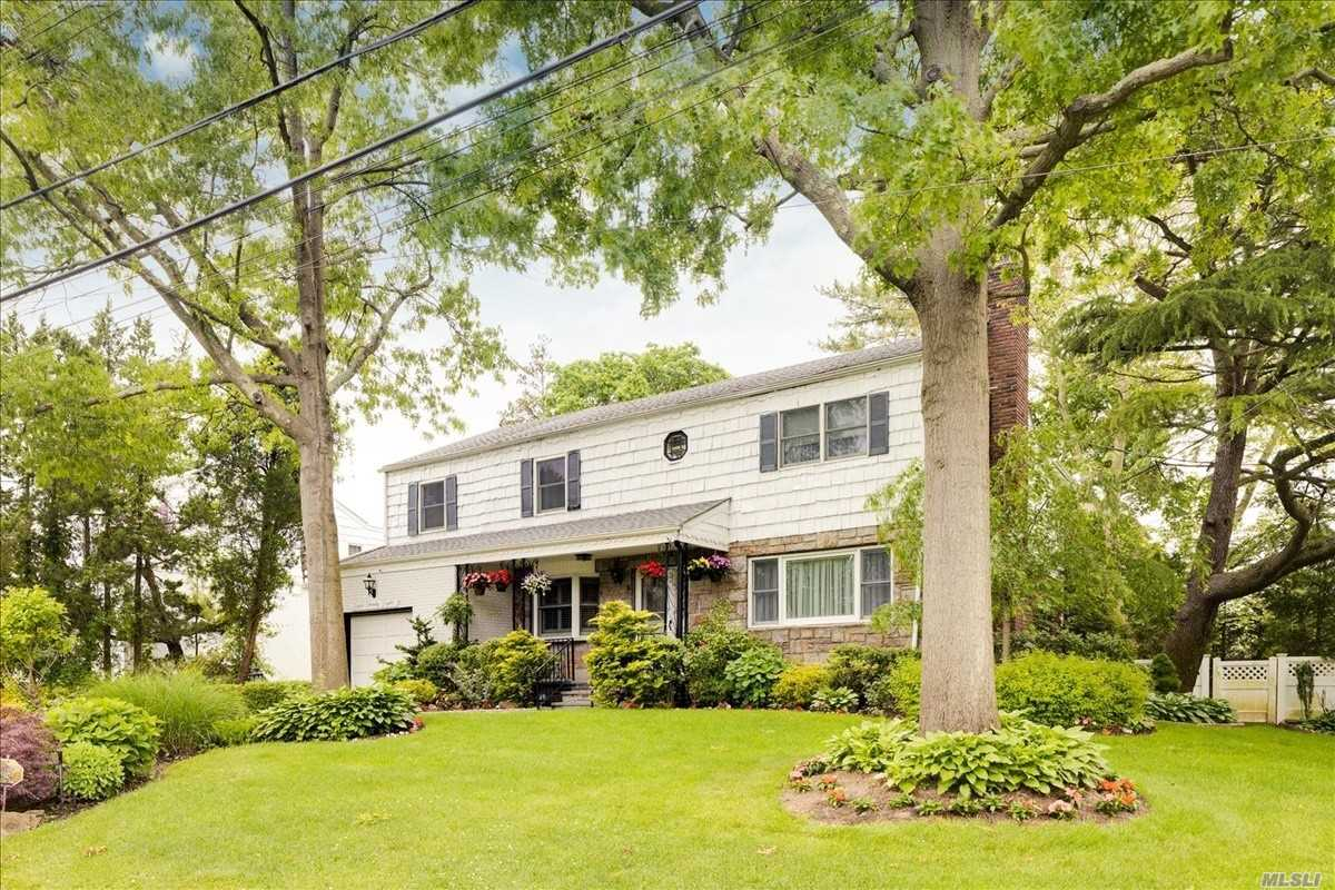 Residential For Sale in 828 Addison St, Woodmere, NY ,11598