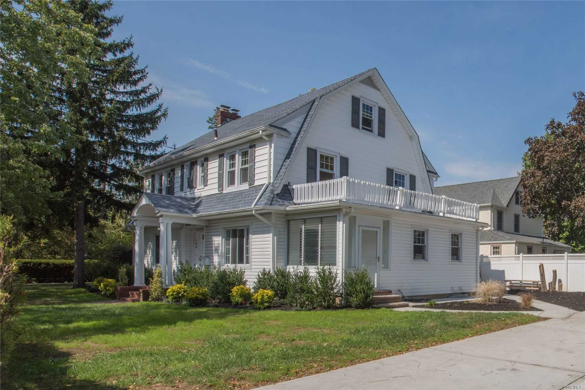 Residential For Sale in 136 Argyle Rd, W. Hempstead, NY ,11552