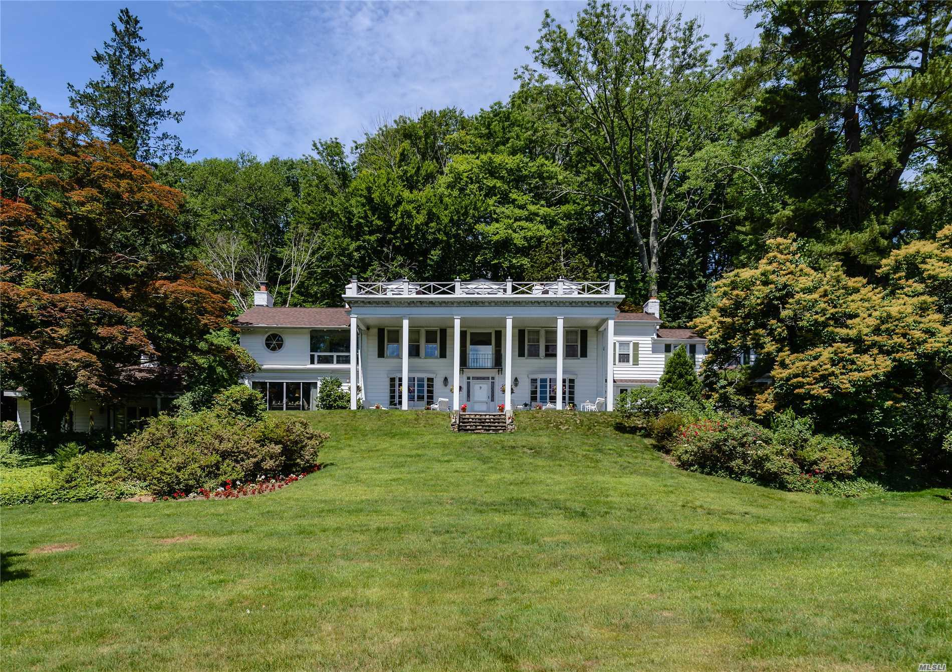 Residential For Sale in 450 Oyster Bay Rd, Locust Valley, NY ,11560