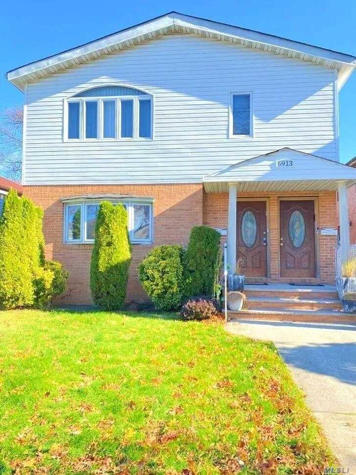 Residential For Sale in 69-13 185 St, Fresh Meadows, NY ,11365