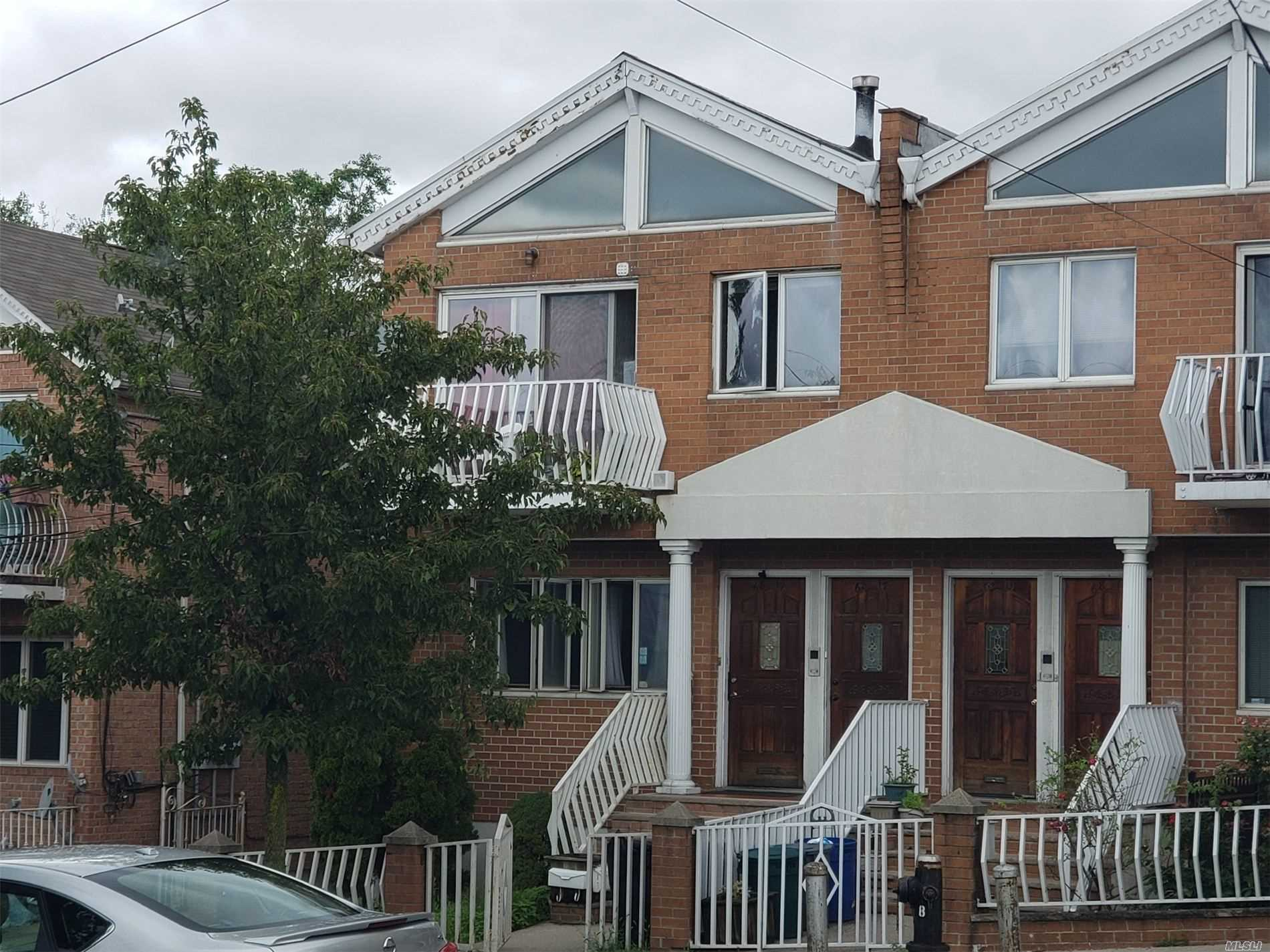 Residential For Sale in 68-17 Clinton Ave, Maspeth, NY ,11378