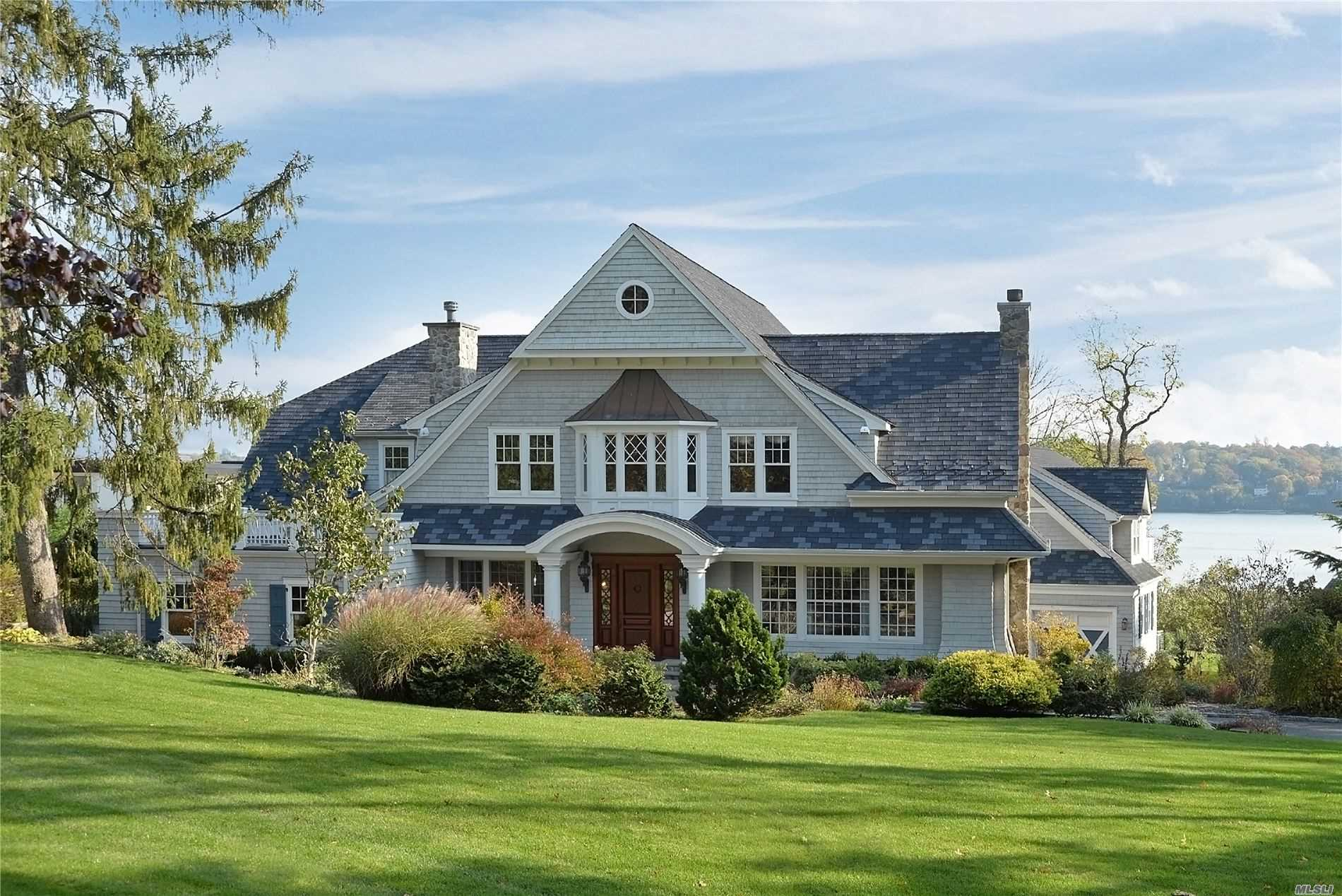 Residential For Sale in 101 Todd Dr, Sands Point, NY ,11050