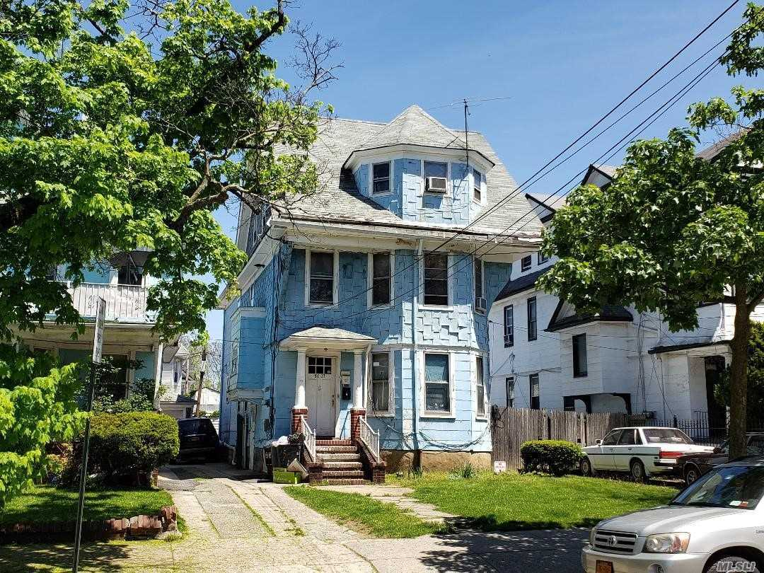 Residential For Sale in 8633 111th St, Richmond Hill N., NY ,11418