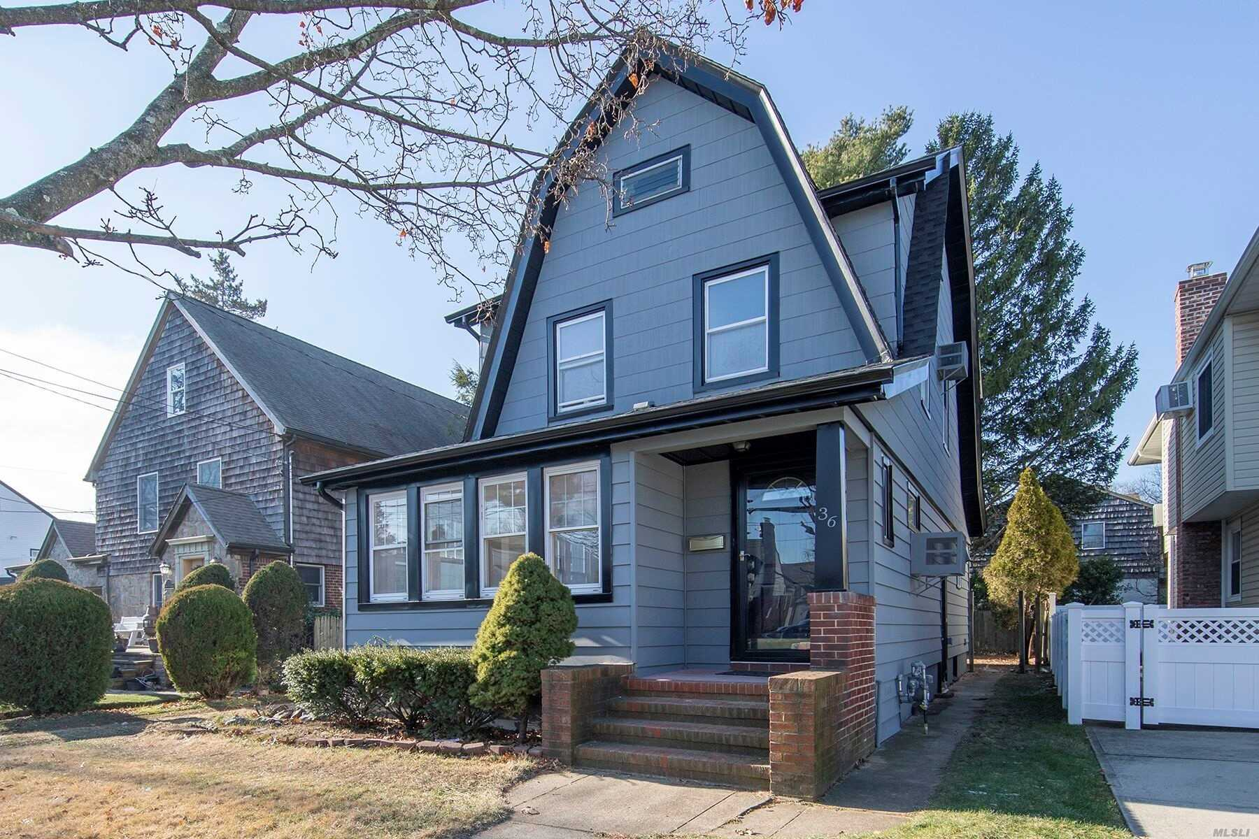 Residential For Sale in 36 Webster St, Lynbrook, NY ,11563