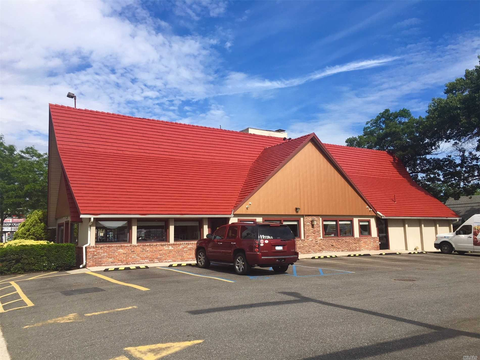 Commercial for sale in 4850-4870 Sunrise Hwy, Massapequa Park, NY ,11762