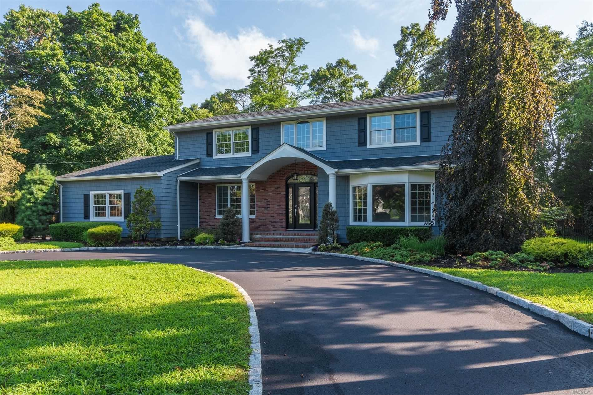 Residential For Sale in 78 Widgeon Ct, Great River, NY ,11739