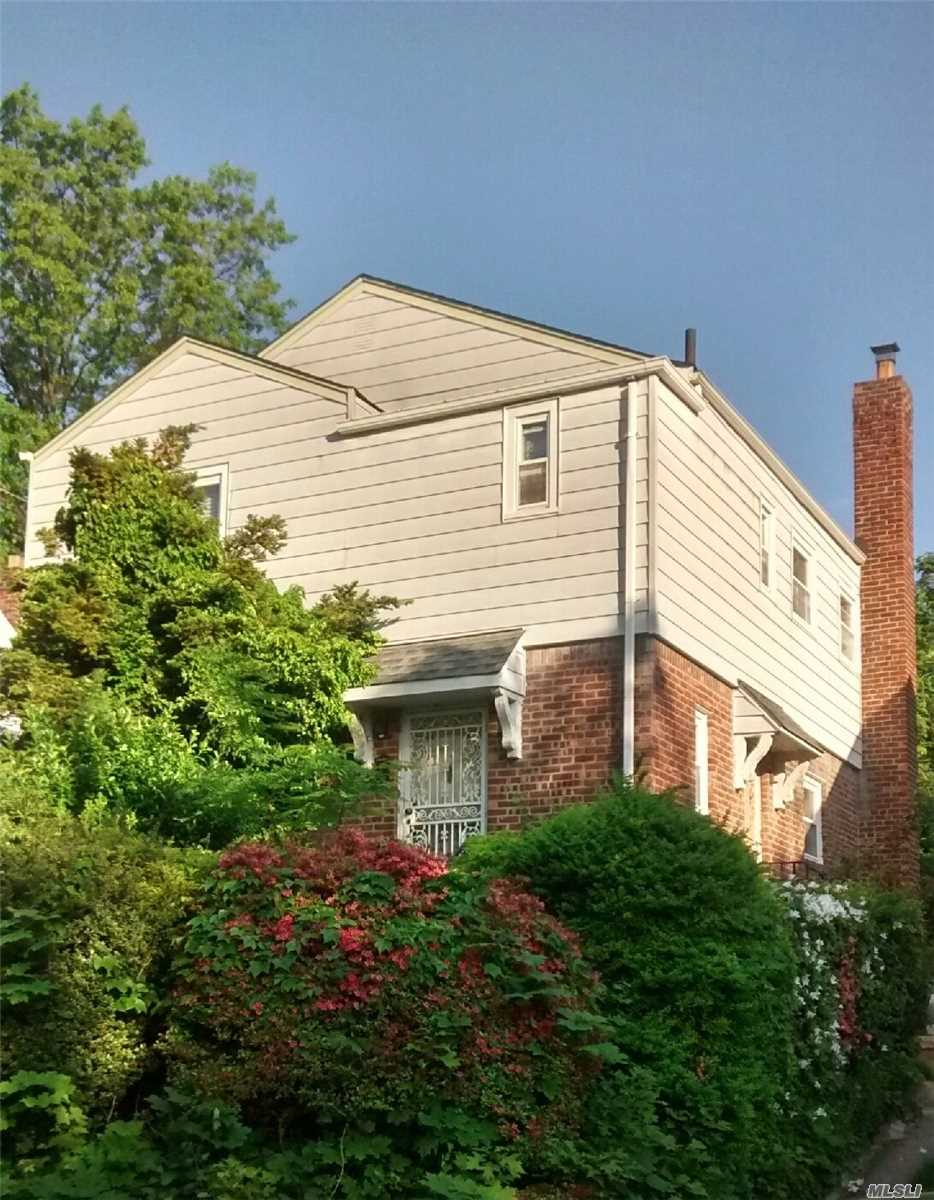 Residential For Sale in 20643 Whitehall Ter, Queens Village, NY ,11427