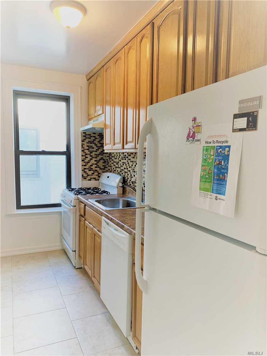 Residential For Rent in 11-15 45th Ave, Long Island City, NY ,11101