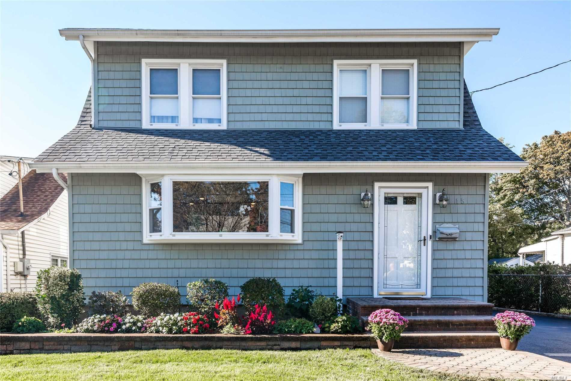 Residential For Sale in 15 Highland Ave, E. Rockaway, NY ,11518