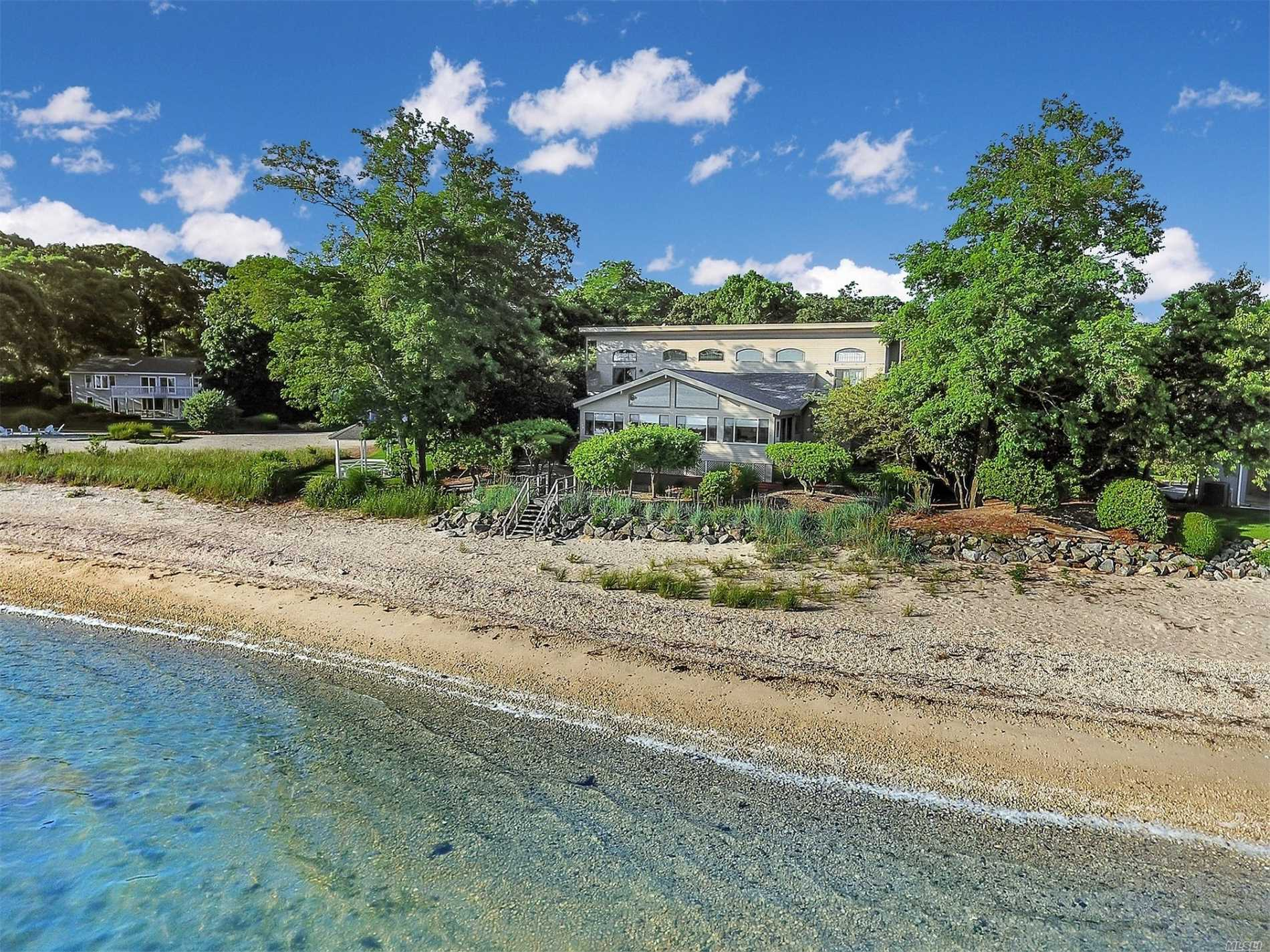 Residential For Sale in 495 North Parish Dr, Southold, NY ,11971