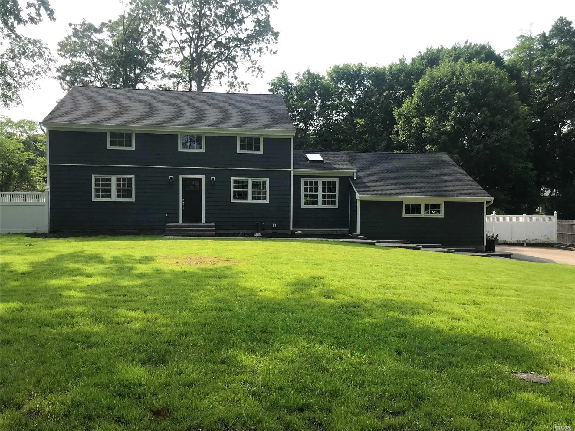 Residential For Sale in 28 Highland Down, Shoreham, NY ,11786