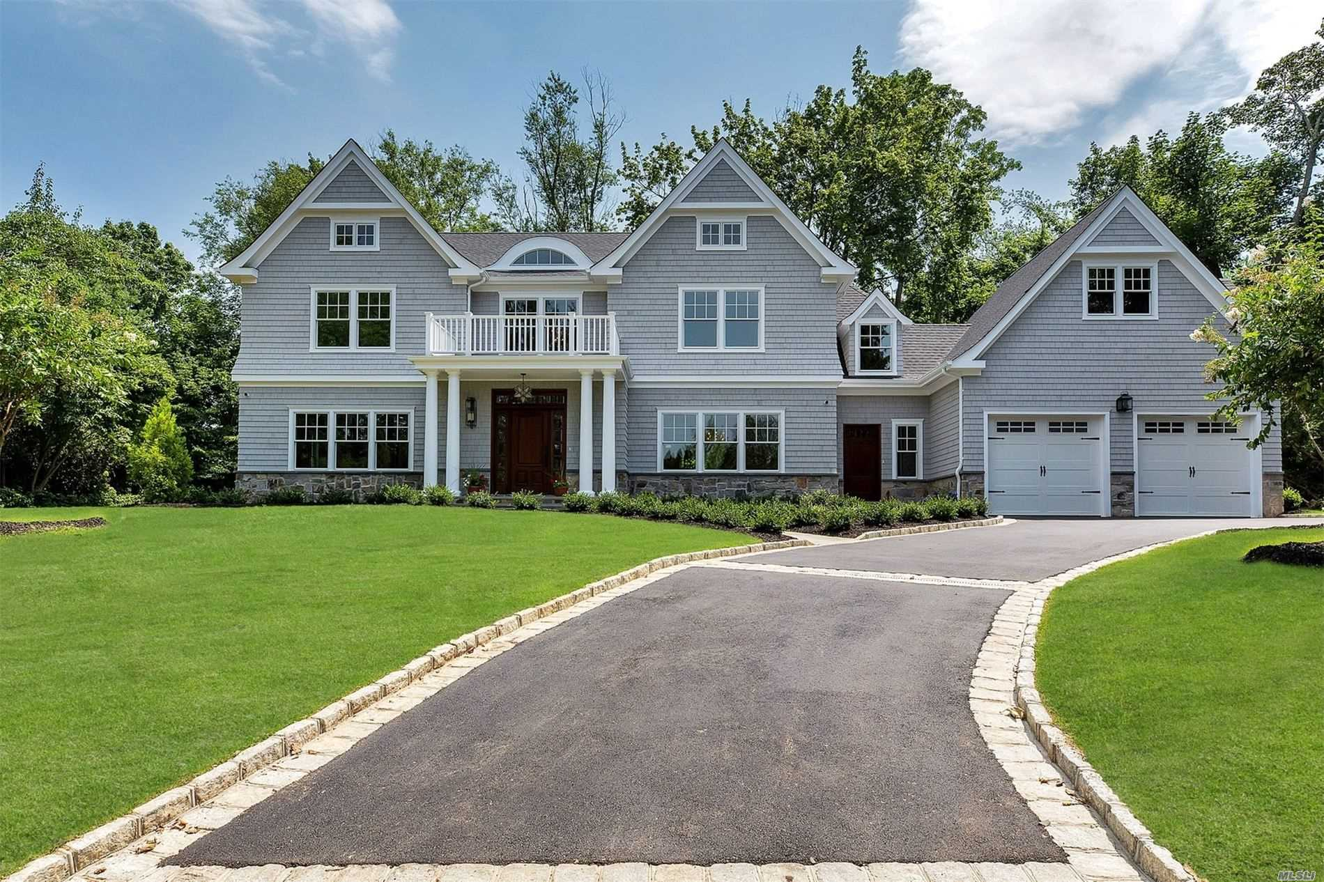 Residential For Sale in 53 Country Club Dr, Port Washington, NY ,11050