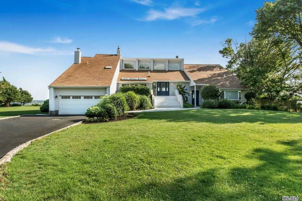 Residential For Sale in 11 Convent Rd, Center Moriches, NY ,11934