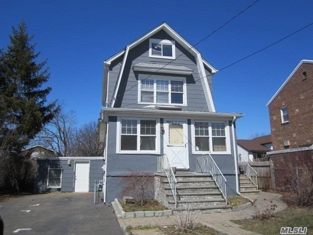Residential For Sale in 19 6th St, Garden City Park, NY ,11040
