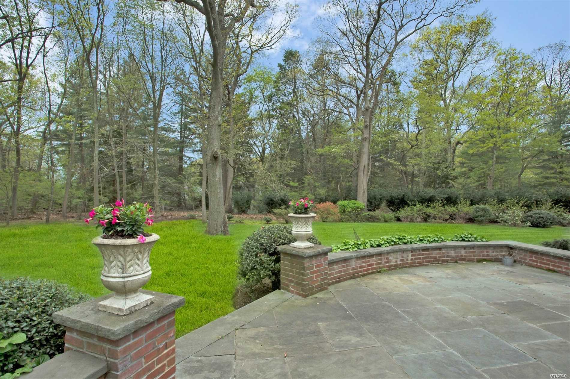 Residential For Sale in 820 Chicken Valley Rd, Locust Valley, NY ,11560