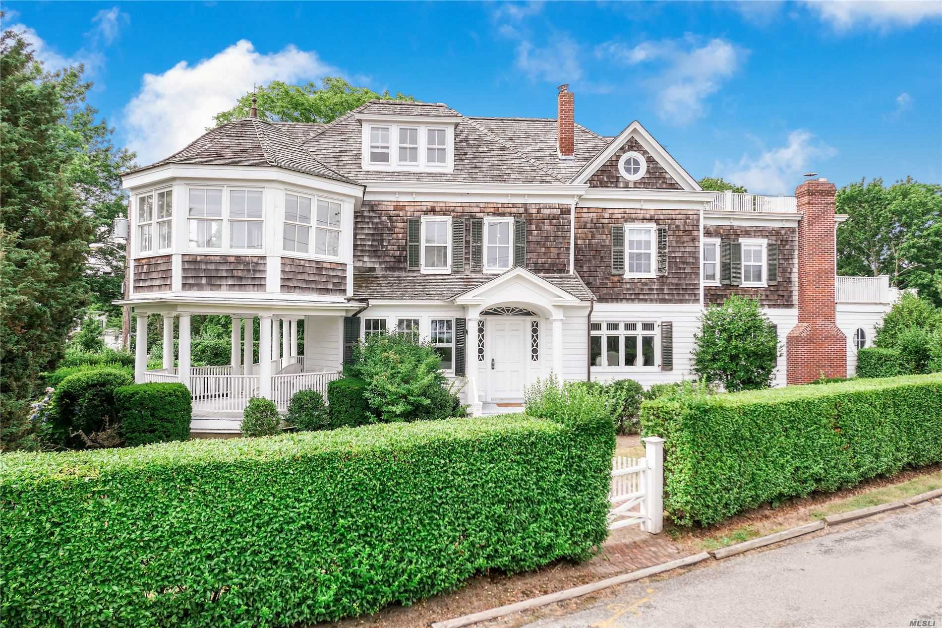 Residential For Sale in 49 Browns Ln, Bellport Village, NY ,11713