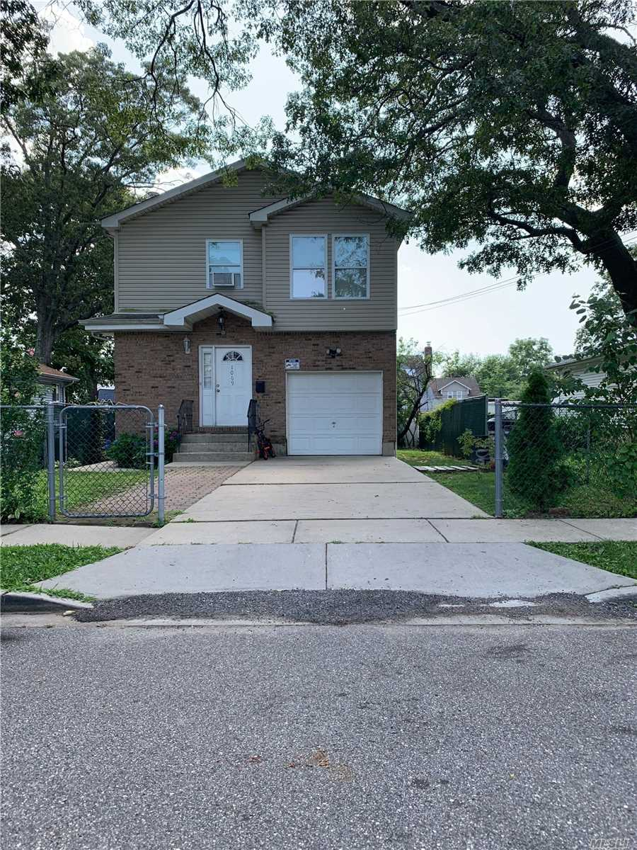 Residential For Sale in 1069 Arthur St, Uniondale, NY ,11553