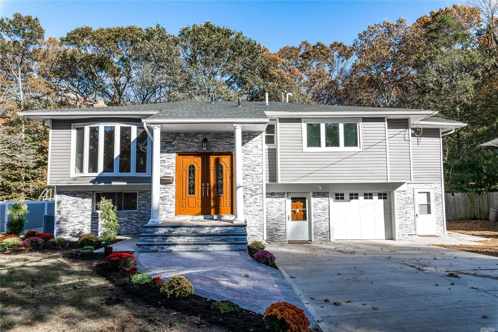Residential For Sale in 445 Joan Ct, W. Hempstead, NY ,11552