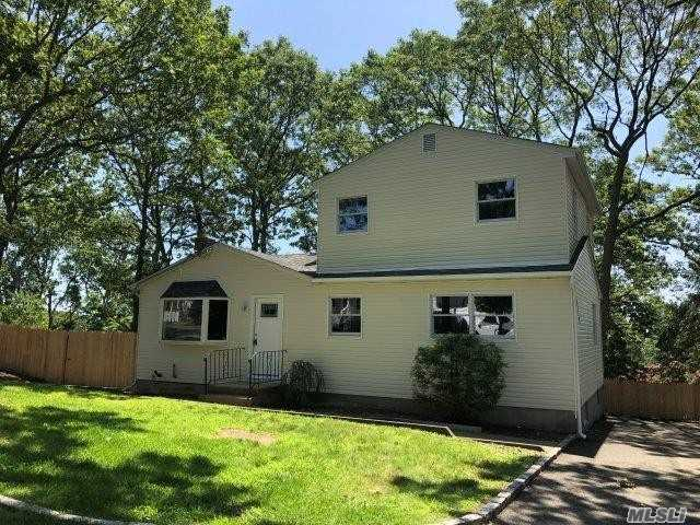 Residential For Sale in 30 Sayville Rd, Sound Beach, NY ,11789