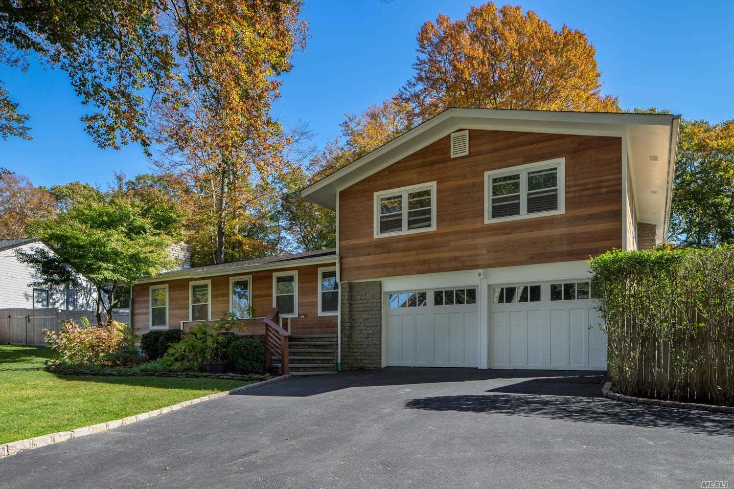 Residential For Sale in 34 Baiting Hollow Ln, Baiting Hollow, NY ,11933