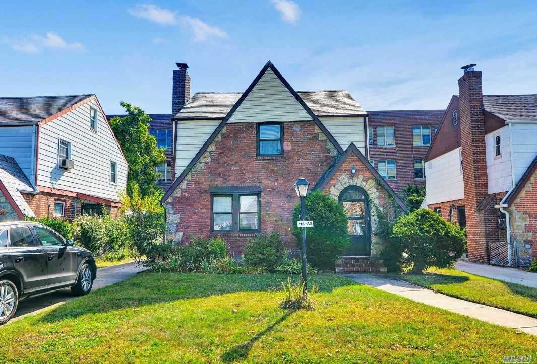 Residential For Sale in 115-39 220 St, Cambria Heights, NY ,11411