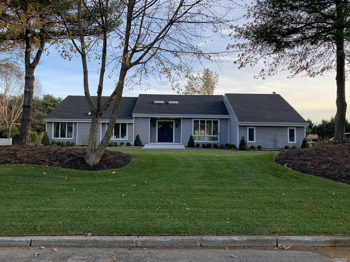 Residential For Sale in 5 Miller Farms Dr, Miller Place, NY ,11764
