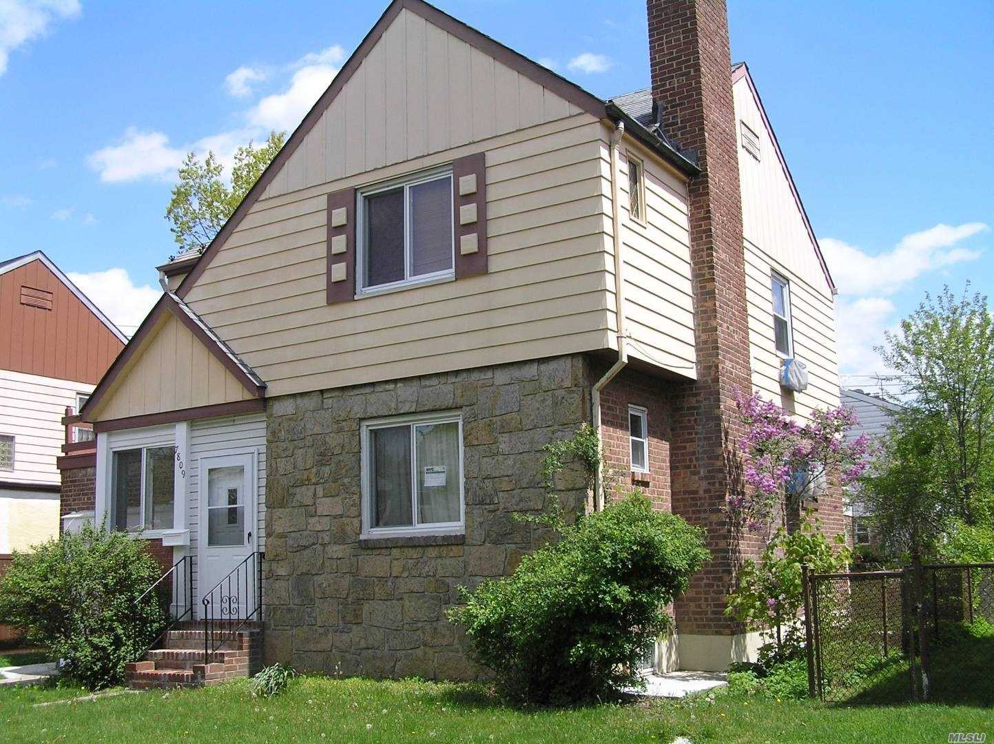 Residential For Sale in 78-09 223rd St, Oakland Gardens, NY ,11364
