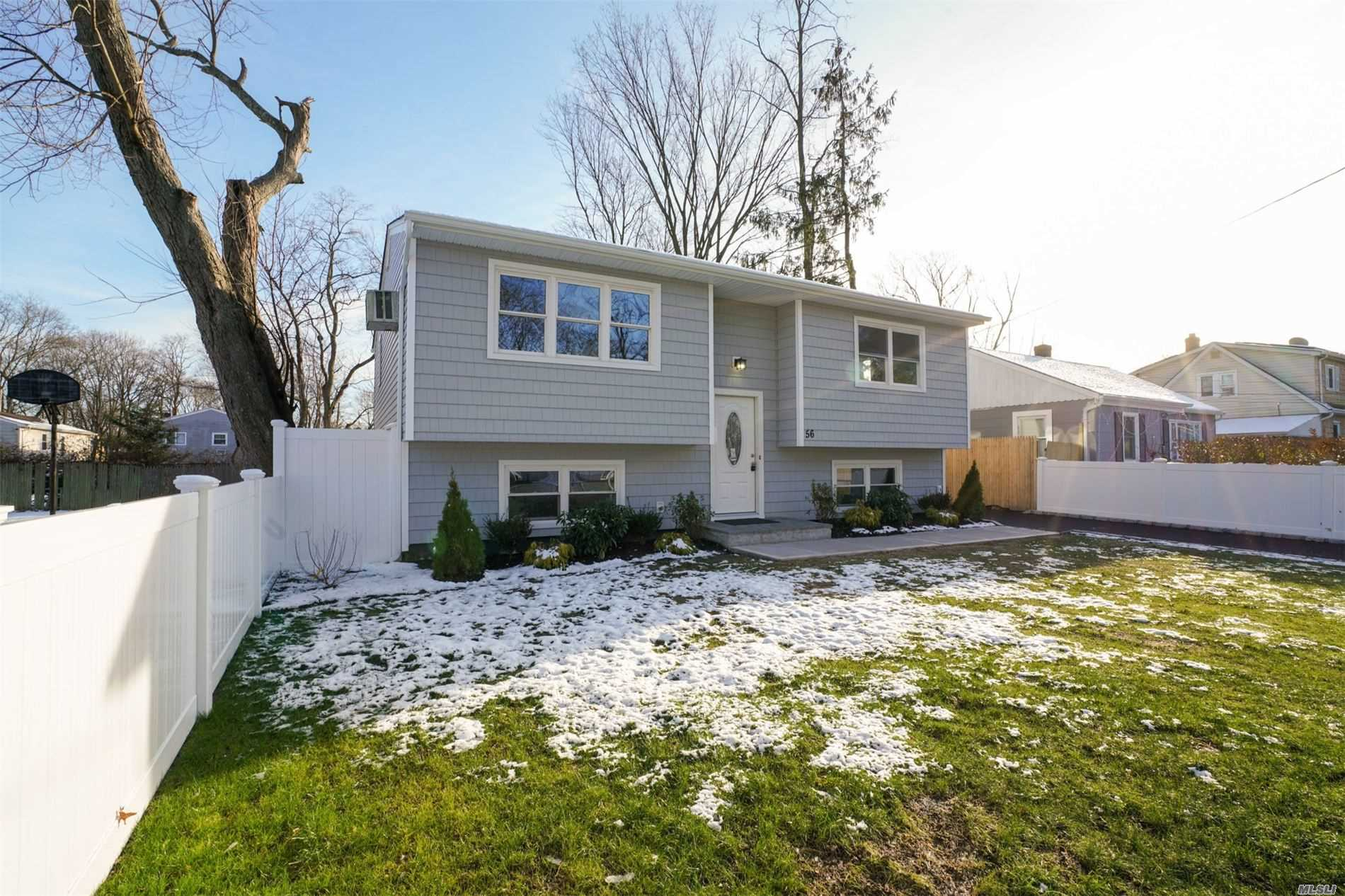 Residential For Sale in 56 Main Ave, Wheatley Heights, NY ,11798
