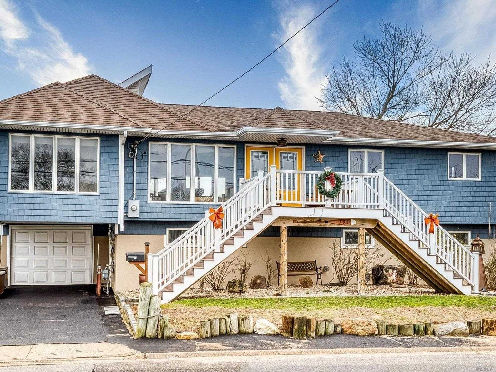 Residential For Sale in 792 Wellwood S Ave, Lindenhurst, NY ,11757