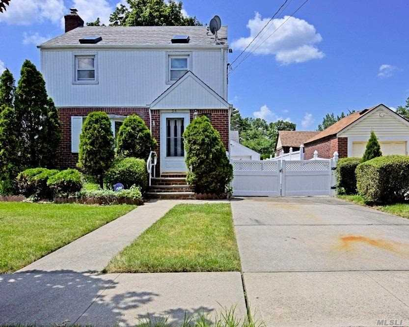 Residential For Sale in 56 Spencer Pl, Hempstead, NY ,11550