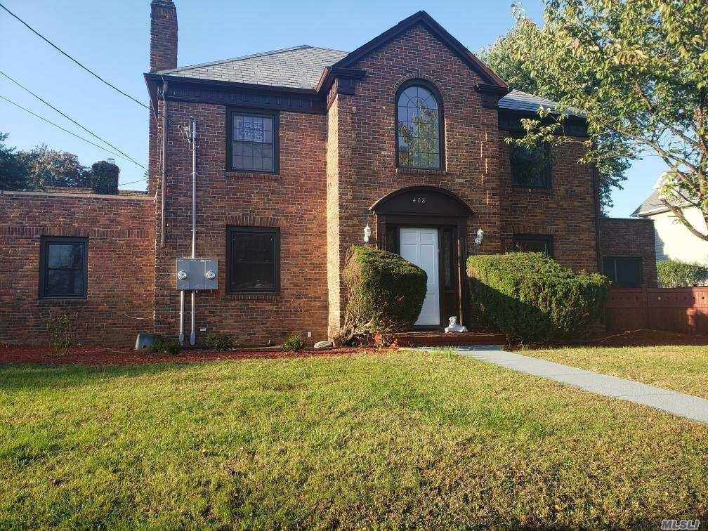 Commercial for sale in 408 Mineola Blvd, Williston Park, NY ,11596