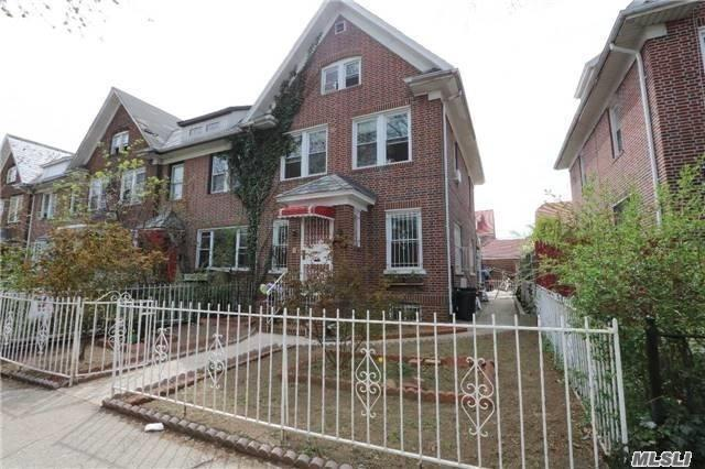Residential For Sale in 33-26 88th St, Jackson Heights, NY ,11372
