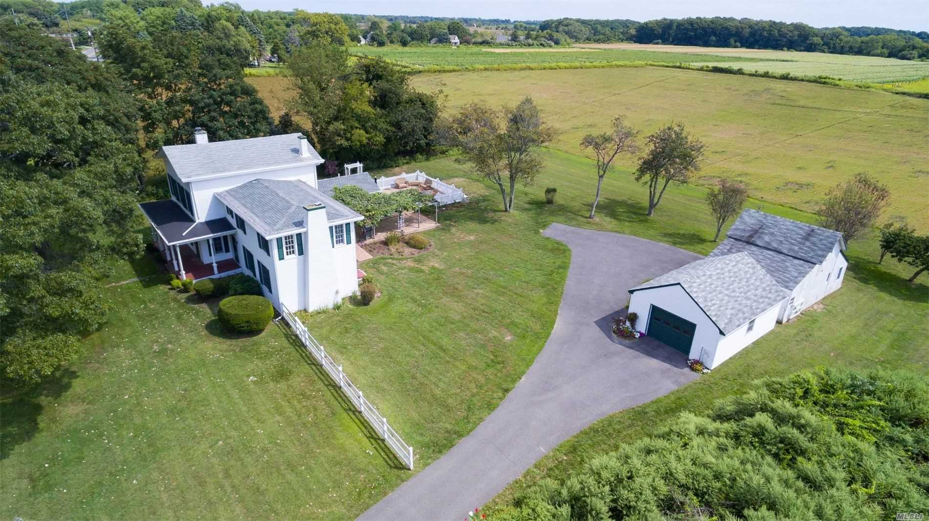 Residential For Sale in 26700 Main Rd, Orient, NY ,11957