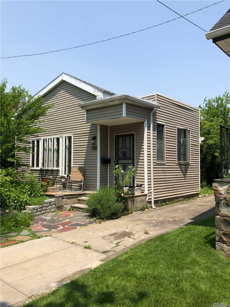Residential For Sale in 320 Beach 148th St, Neponsit, NY ,11694