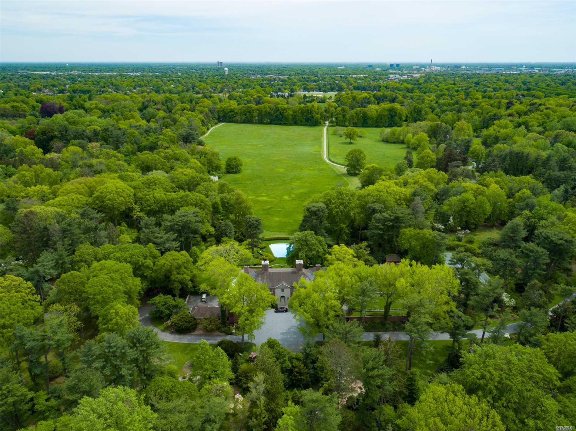 Residential For Sale in 75 Post Rd, Old Westbury, NY ,11568