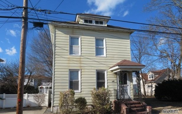 Residential For Sale in 186 Kingston Ave, S. Floral Park, NY ,11003