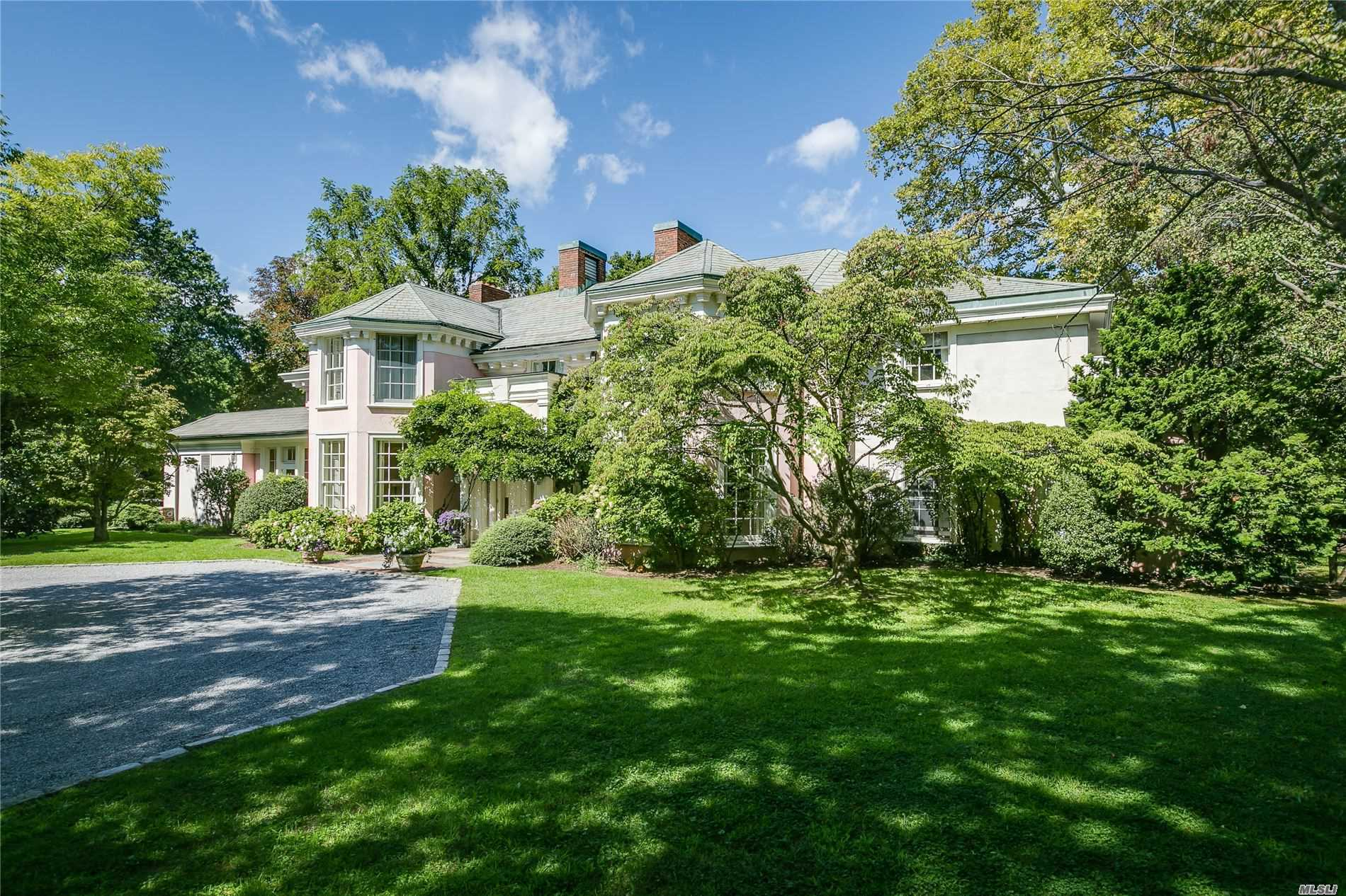 Residential For Sale in 1 Pond Rd, Glen Cove, NY ,11542