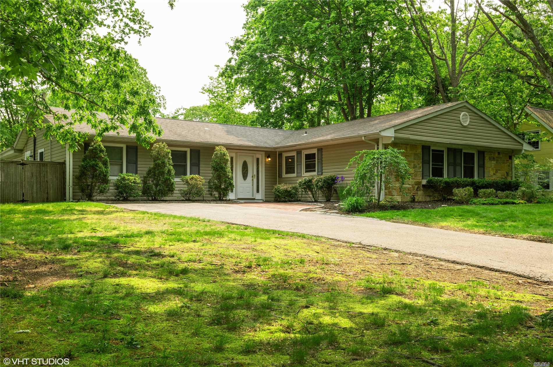 Residential For Sale in 47 Spencer Ln, Stony Brook, NY ,11790