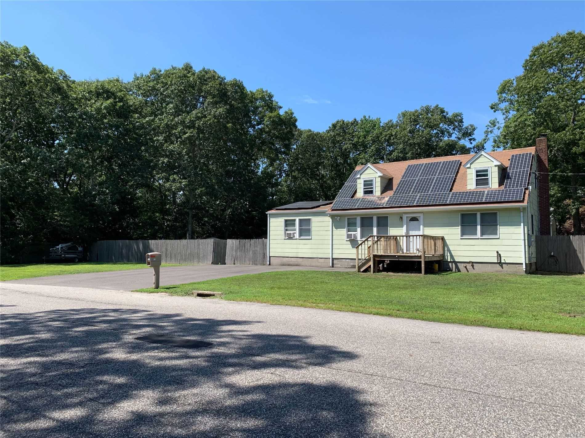 Residential For Sale in 129 Washington Ave, Mastic Beach, NY ,11951