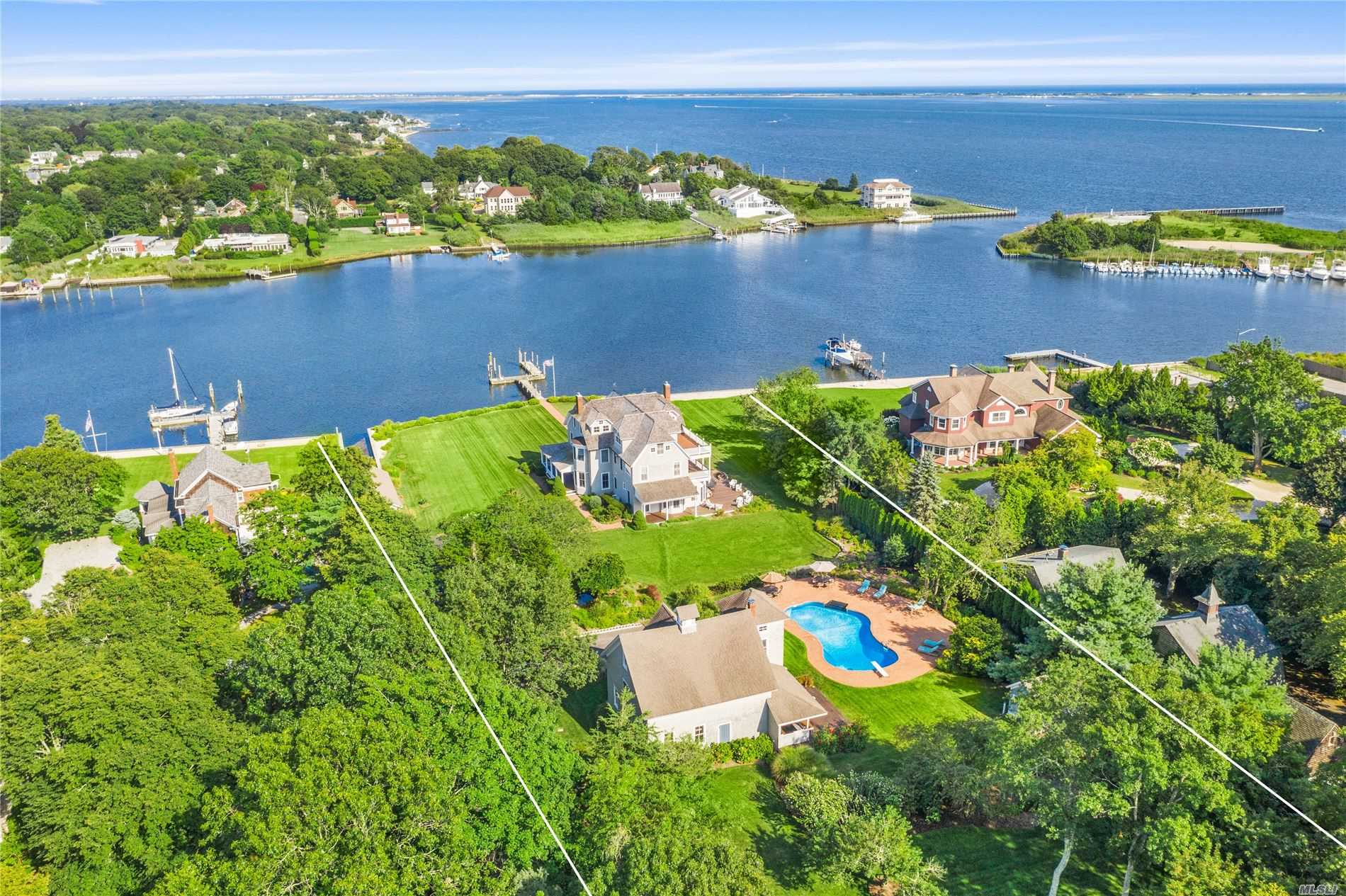 Residential For Sale in 127 Senix Avenue, Center Moriches, NY ,11934