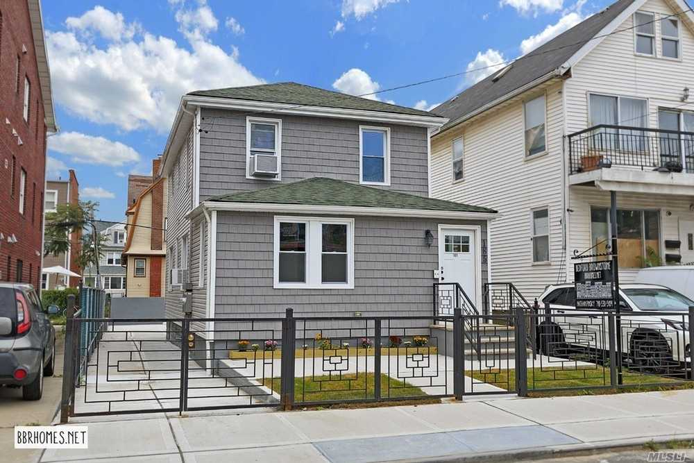 Residential For Sale in 185 Beach 117th, Rockaway Park, NY ,11694