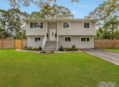 Residential For Sale in 54 Lowell Ave, Holtsville, NY ,11742