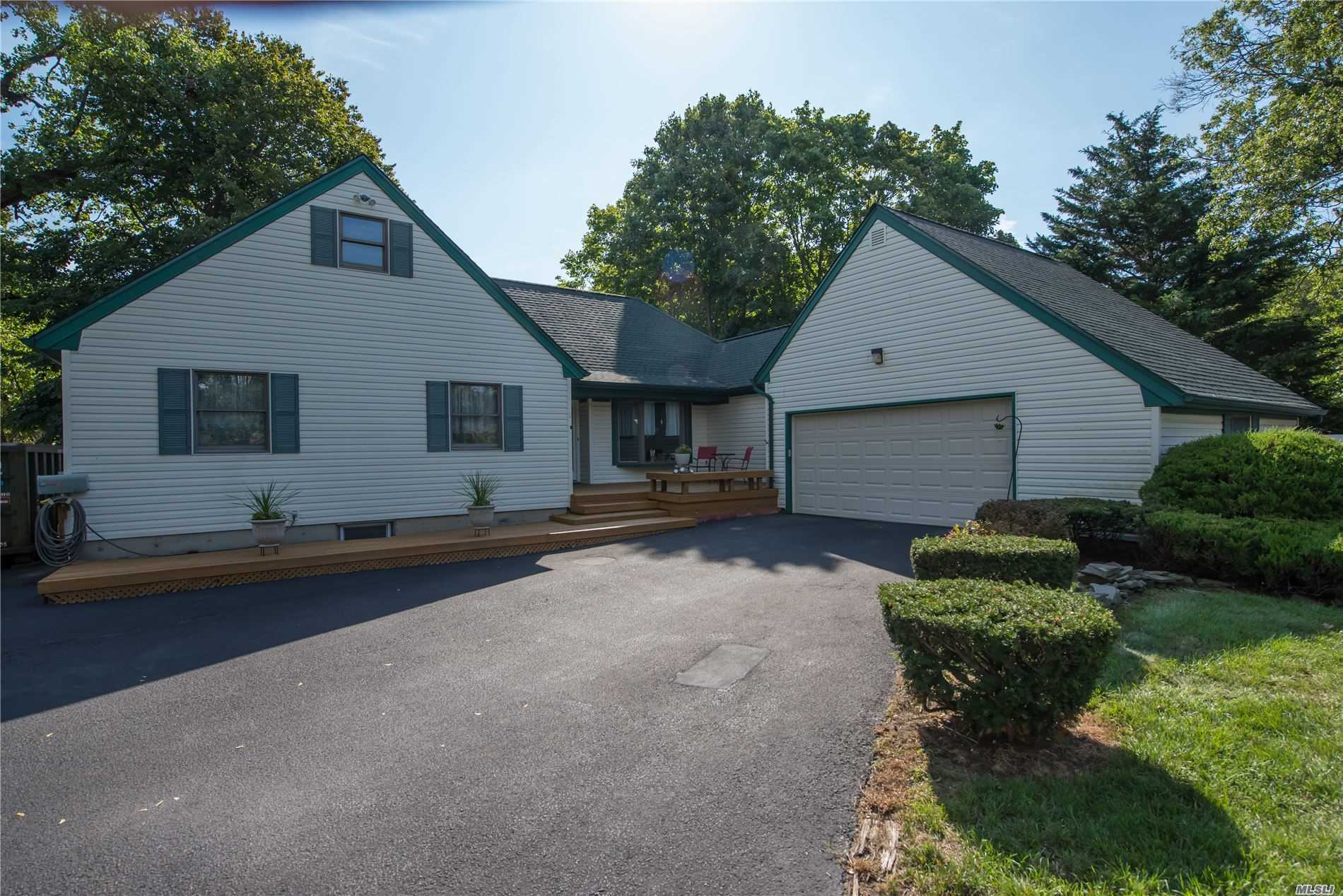 Residential For Sale in 787 Greenlawn Ave, Islip Terrace, NY ,11752