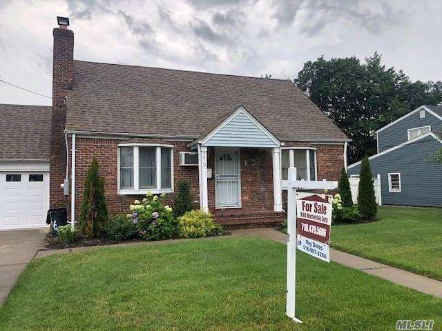 Residential For Sale in 776 Goodrich St, Uniondale, NY ,11553