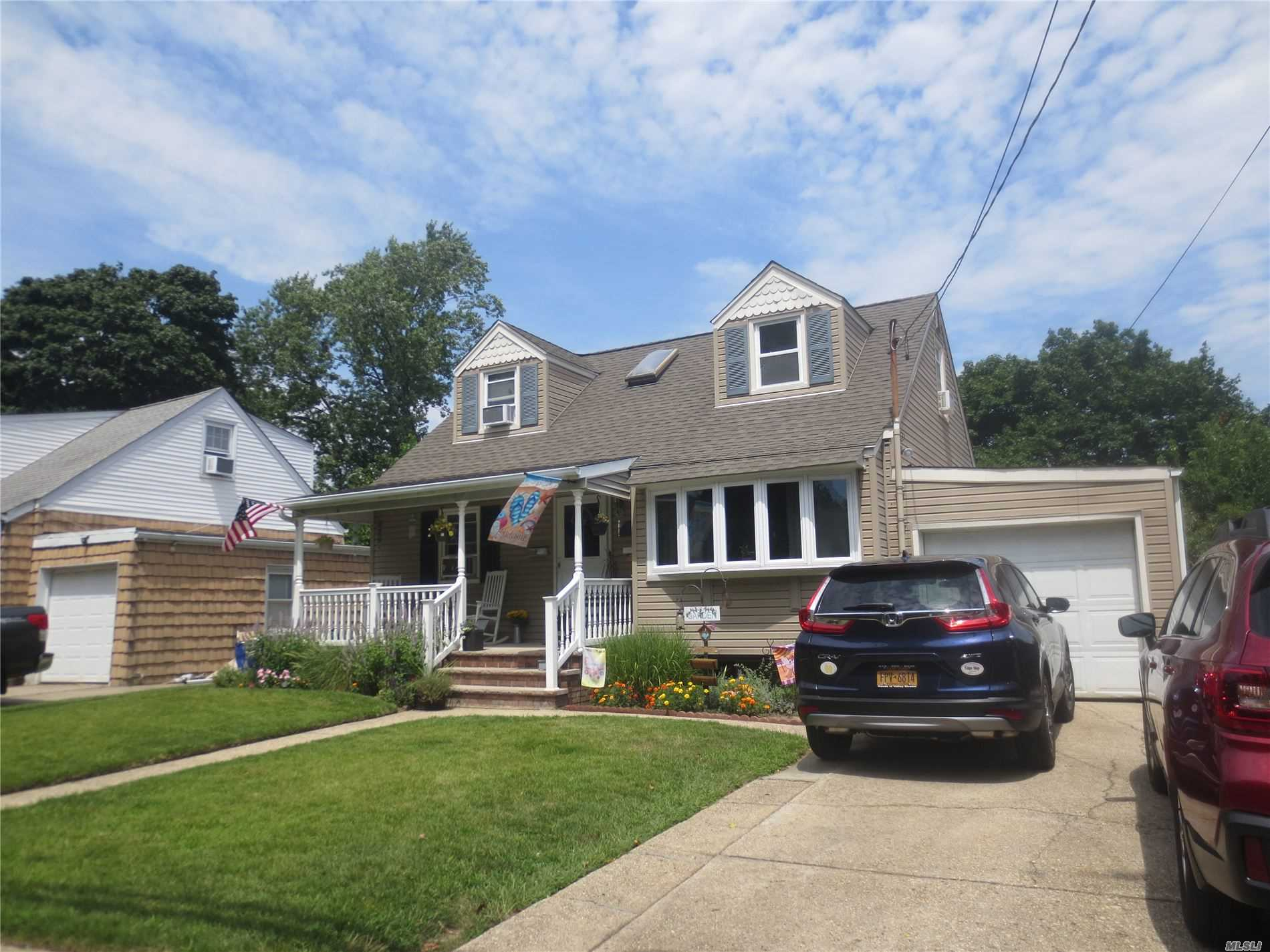 Residential For Sale in 225 Hawthorne E Ave, Valley Stream, NY ,11580