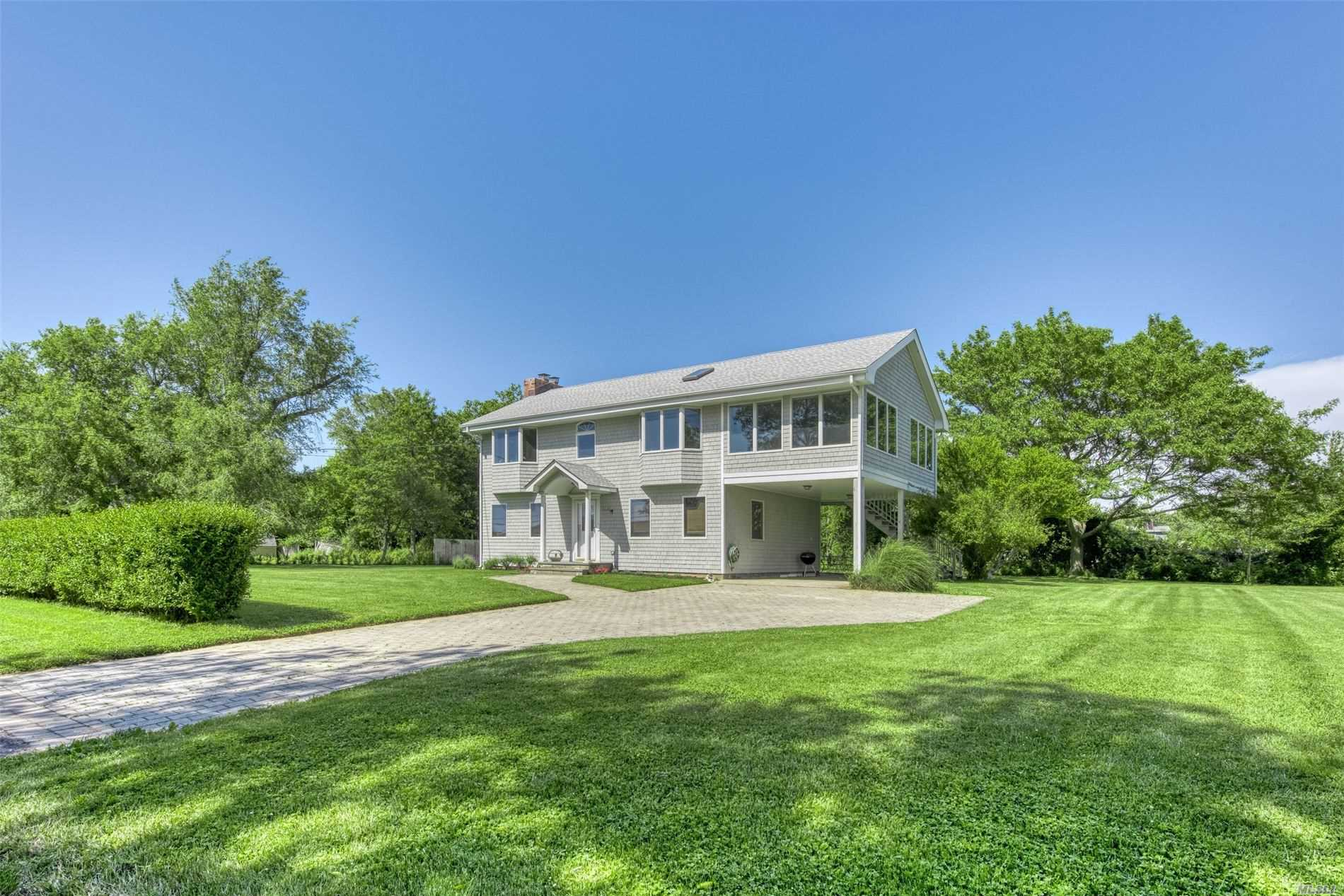 Residential For Sale in 715 Willow Terrace Ln, Orient, NY ,11957
