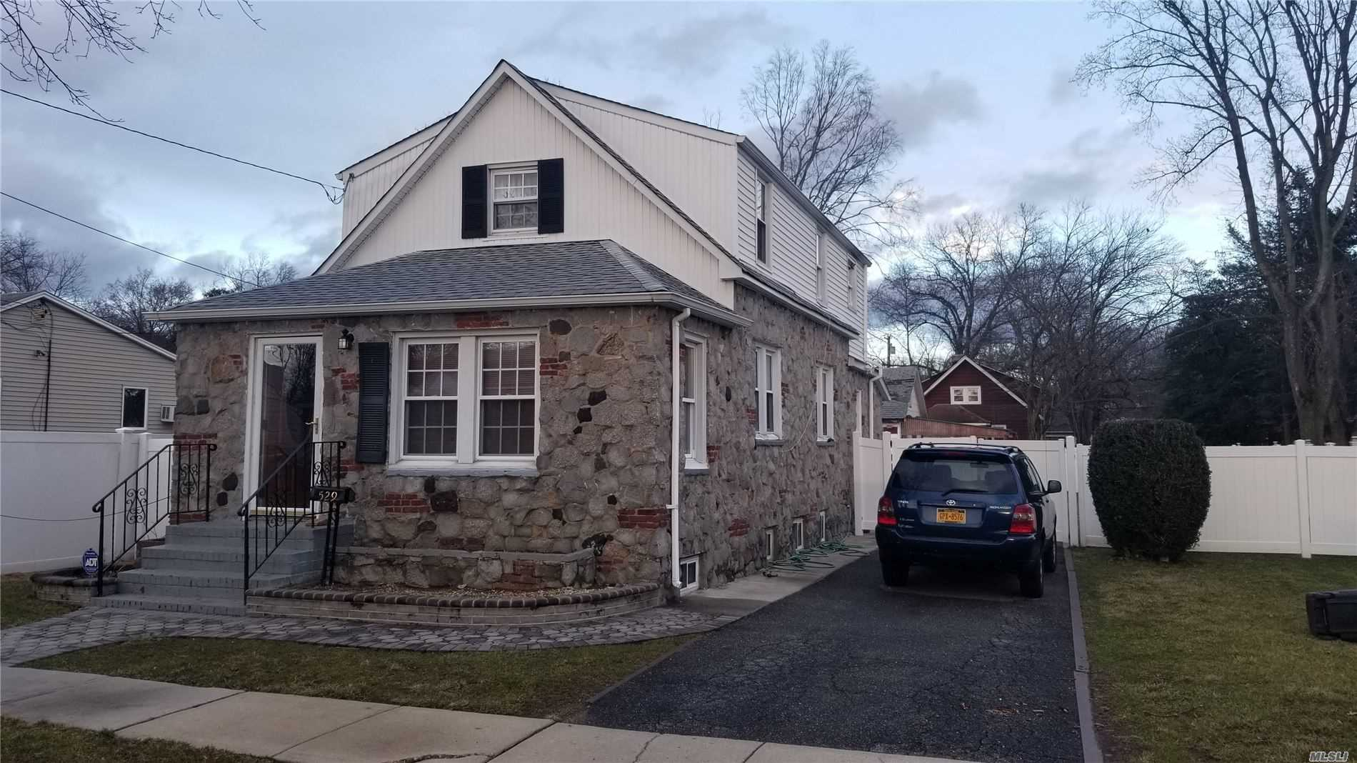 Residential For Sale in 529 Woodbine Street, Uniondale, NY ,11553