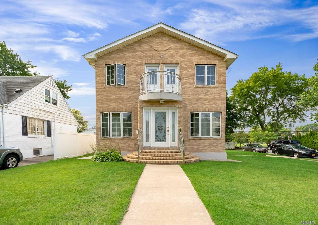 Residential For Sale in 201 Wilton Street, New Hyde Park, NY ,11040